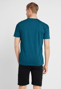 Kappa - FRANKLYN - Basic T-shirt - blue coral - 2