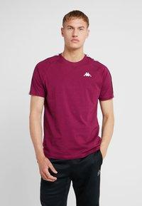 Kappa - FINLEY - T-shirt con stampa - purple potion - 0