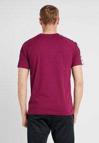 Kappa - FINLEY - T-shirt con stampa - purple potion - 2