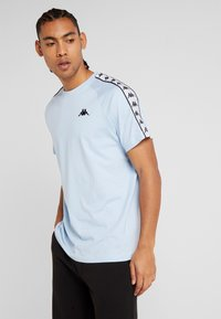 Kappa - FINLEY - T-shirt med print - cashmere blue - 0