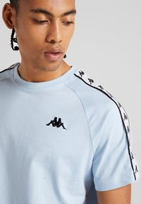 Kappa - FINLEY - T-shirt med print - cashmere blue - 3