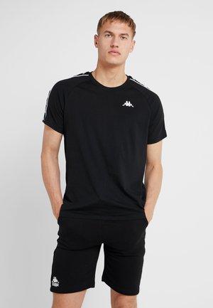FINLEY - T-shirt z nadrukiem - caviar