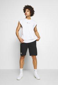 Kappa - TOPEN - Pantalón corto de deporte - caviar - 1