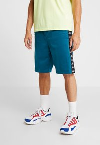 Kappa - FABRIZIUS - Sports shorts - blue coral - 0