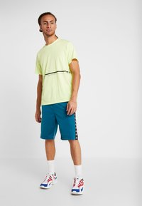 Kappa - FABRIZIUS - Sports shorts - blue coral - 1