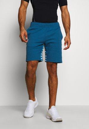 GILWAR - Pantalón corto de deporte - stellar