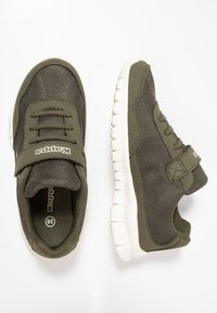 Kappa - FOLLOW - Sports shoes - army/offwhite - 0