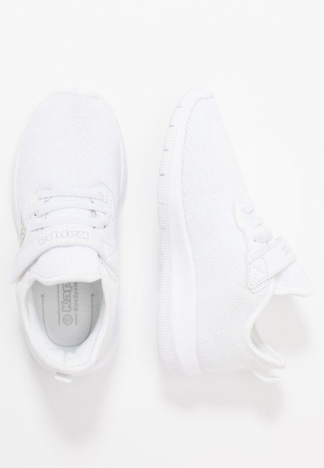 GIZEH - Kuntoilukengät - white/light grey