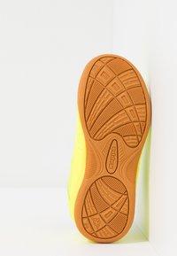 Kappa - KICKOFF OC - Scarpe da fitness - yellow/black - 4