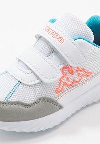 Kappa - CRACKER II  - Sportovní boty - white/orange - 2