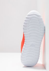 Kappa - CRACKER II  - Scarpe da fitness - coral/white - 4