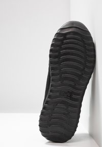 Kappa - CRACKER II OC - Scarpe da fitness - black/grey - 4