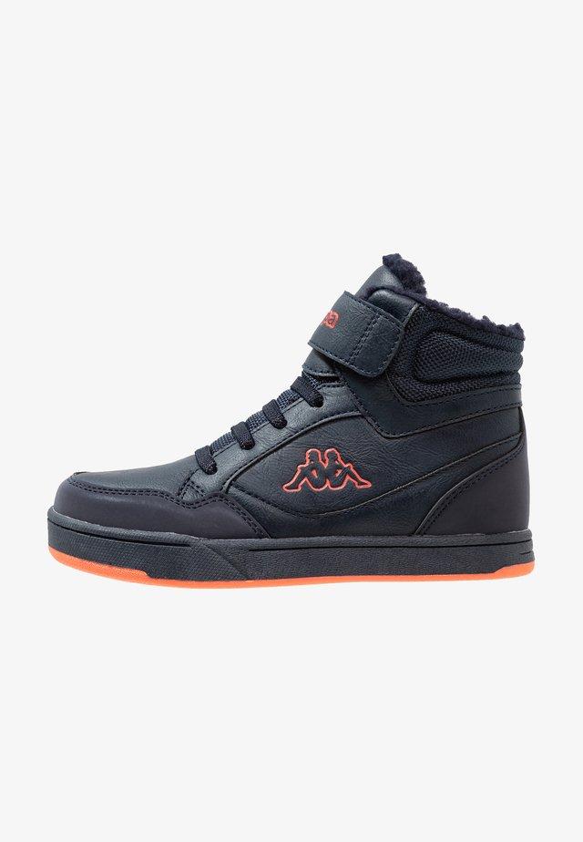 JUMPSHOT - Sneaker high - navy/orange
