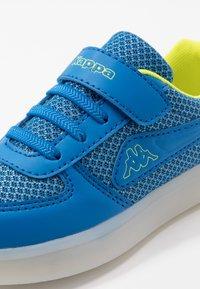 Kappa - FORE - Sportovní boty - blue/lime - 5