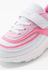 Kappa - SQUINCE  - Scarpe da fitness - white/rosé - 2