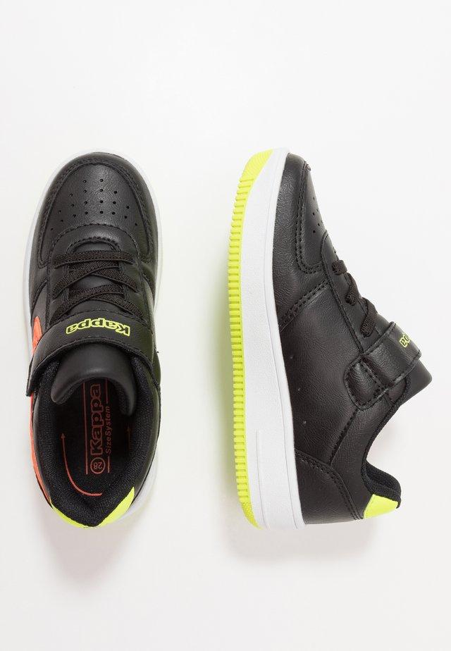 BASH - Sports shoes - black/coral