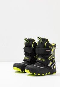 Kappa - KAPOW HIGH TEX - Zimní obuv - black/lime - 2