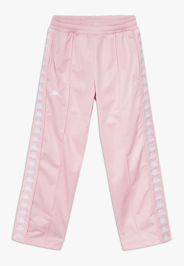 GELANIA - Pantalon de survêtement - coral blush
