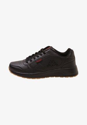 BASE II - Chodecké tenisky - black