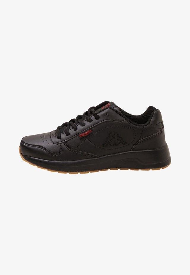 BASE II - Walking trainers - black