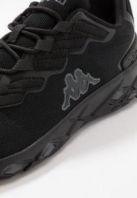 Kappa - STRATUS - Neutrální běžecké boty - black/grey - 5