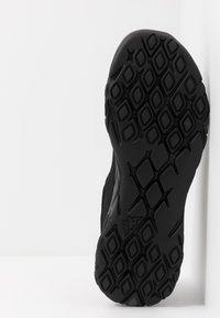 Kappa - STRATUS - Neutrální běžecké boty - black/grey - 4