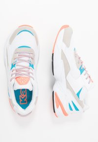 Kappa - BOIZ - Zapatillas de running neutras - white/orange - 1