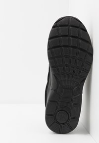 Kappa - SQUINCE - Zapatillas de running neutras - black - 4