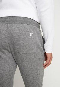 11 DEGREES - CORE JOGGERS  - Pantalones deportivos - charcoal - 5