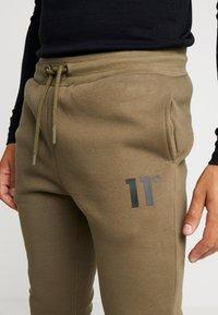 11 DEGREES - CORE JOGGERS  - Trainingsbroek - khaki - 4