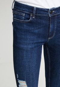 11 DEGREES - ESSENTIAL SUPER STRETCH DISTRESSED - Skinny džíny - indigo wash - 4