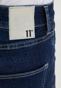 11 DEGREES - ESSENTIAL SUPER STRETCH DISTRESSED - Skinny džíny - indigo wash - 6