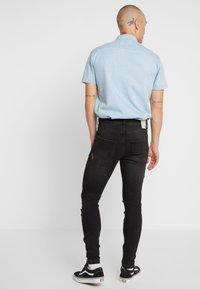 11 DEGREES - ESSENTIAL SUPER STRETCH DISTRESSED - Skinny džíny - washed black - 2