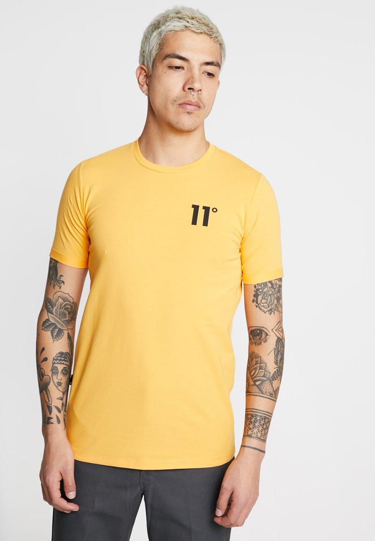 11 DEGREES - CORE MUSCLE FIT - T-shirt print - saffron