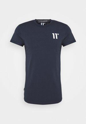 CORE MUSCLE FIT - T-shirt imprimé - navy