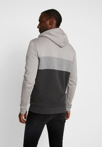 11 DEGREES - TRIPLE PANEL HOODIE - Mikina skapucí - anthracite marl/mid grey/silver - 2