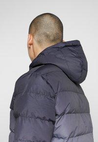 11 DEGREES - MISSLE - Lehká bunda - black/grey - 3