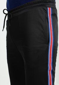 12 Midnight - HERITAGE TAPE JOGGER - Verryttelyhousut - black - 3
