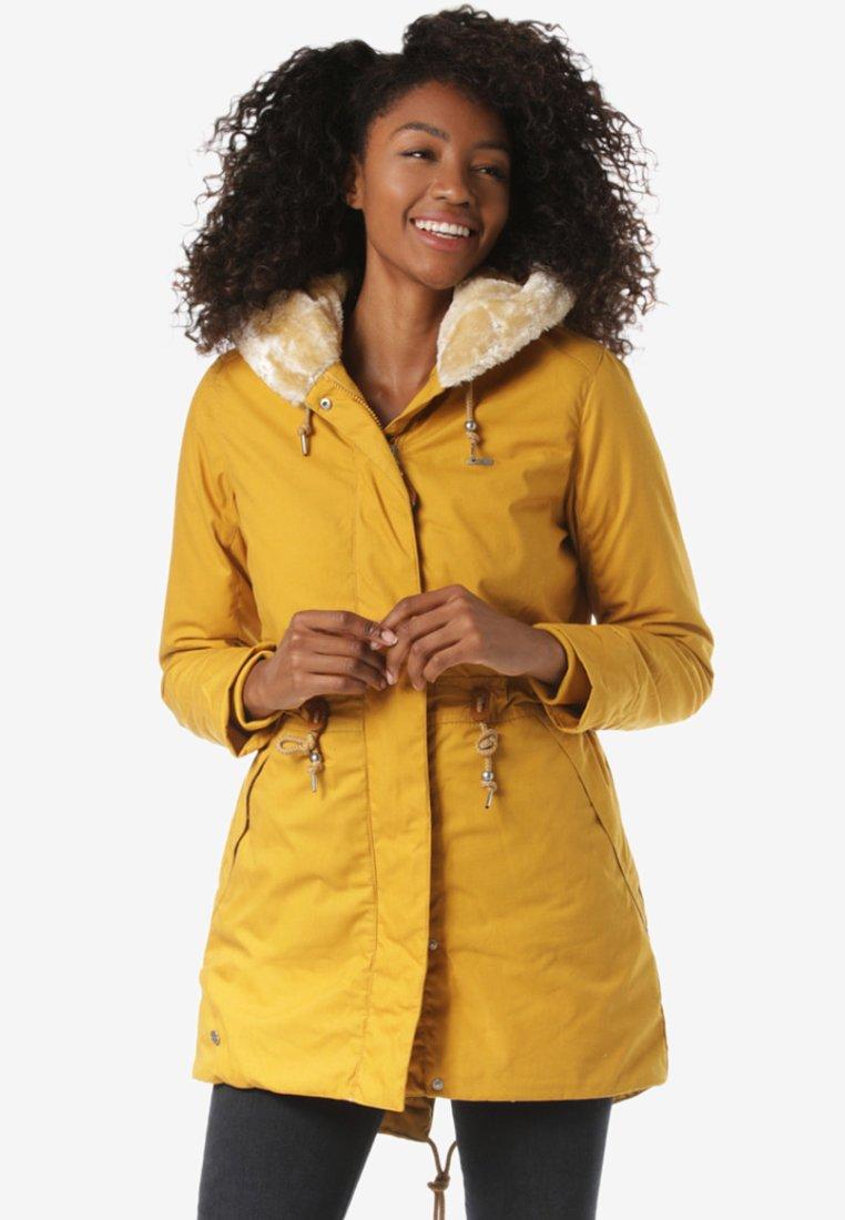 Mazine - BELLINGHAM - Wintermantel - yellow