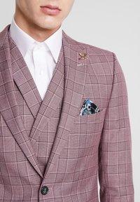 1904 - BUTLER SKINNY FIT SUIT BLAZER - Veste de costume - pink - 3