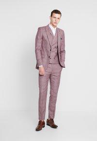 1904 - BUTLER SKINNY FIT SUIT BLAZER - Veste de costume - pink - 1