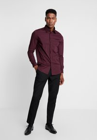 1904 - BRODIE SHIRT BURG SLIM FIT - Formal shirt - red - 1