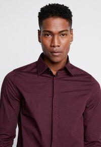 1904 - BRODIE SHIRT BURG SLIM FIT - Formal shirt - red - 3