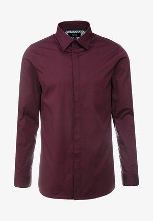 BRODIE SHIRT BURG SLIM FIT - Kostymskjorta - red