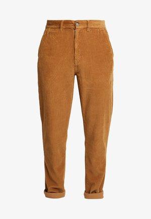 TAPERED - Pantalon classique - stone