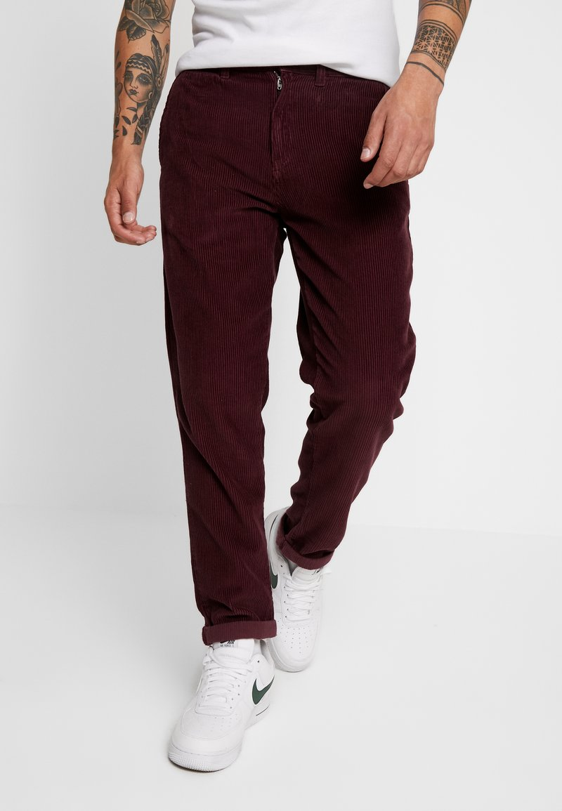 1904 - TAPERED - Stoffhose - red