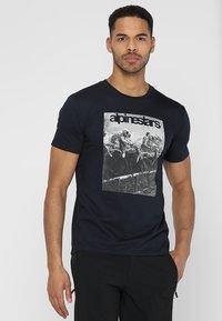 Alpinestars - REMINISCE TEE - T-Shirt print - navy - 0