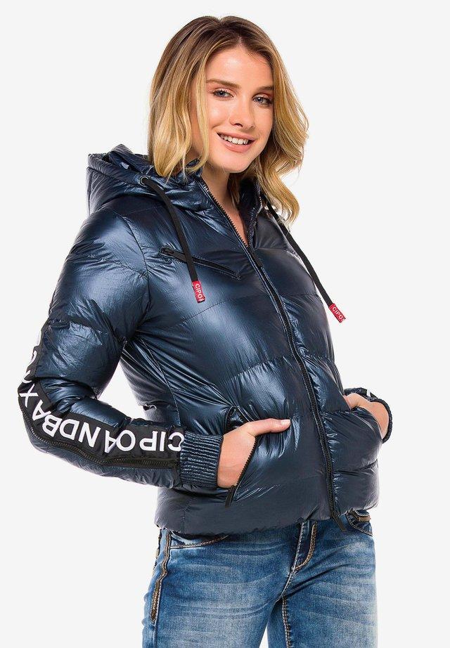 MIT WÄRMENDER KAPUZE - Winter jacket - navyblue