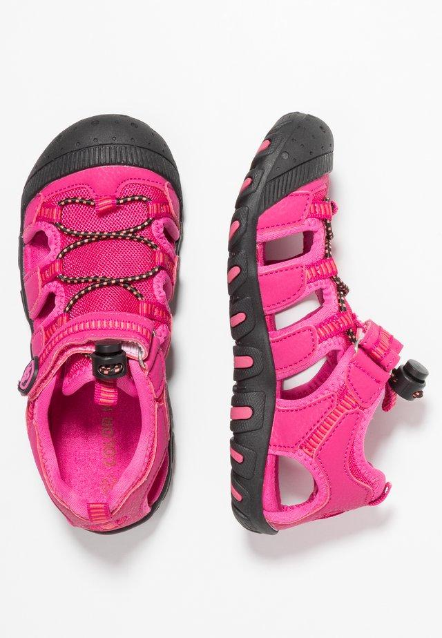 THOROLD - Chodecké sandály - malaga rose