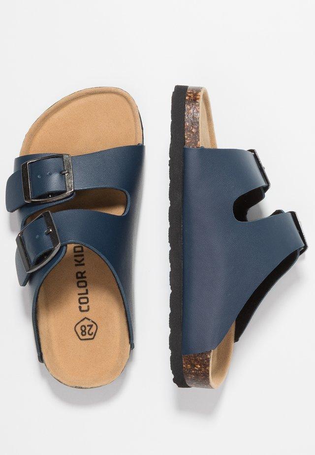 NILAUS - Chodecké sandály - marine